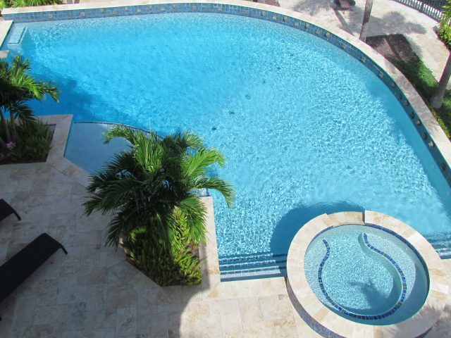 Contemporary swimming pool South Florida